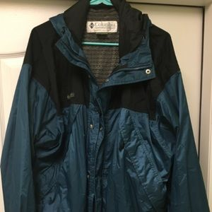 Nice Columbia Men's Large Omnitech coat nice!!